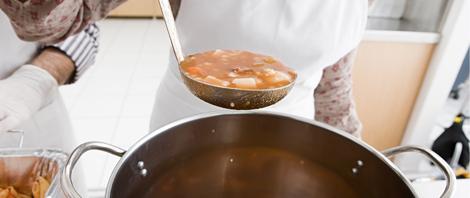 Soup pot and ladle